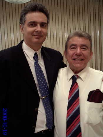 O bispo (à direita) e eu, vinte e quatro anos depois