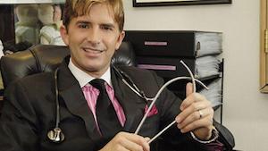 O renomado cirurgião plástico Dr. Rey